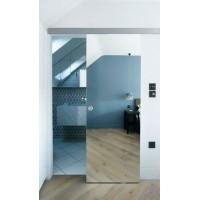 Раздвижная зеркальная дверь купе