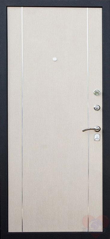 вторая металлическая дверь цвет белый